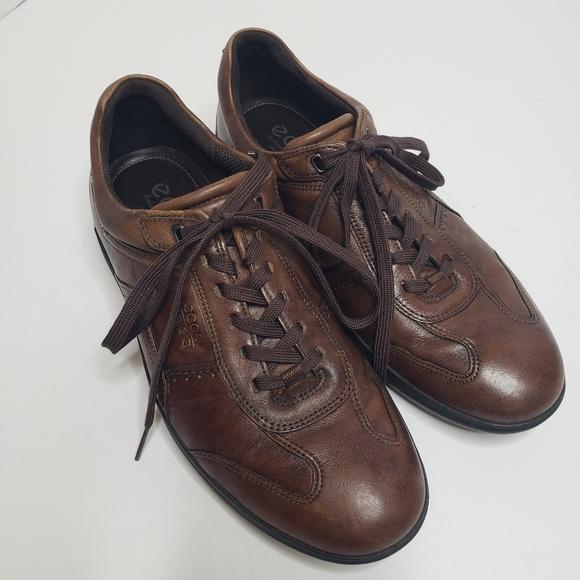 Ecco Mens brown leather Welt sneaker SZ 41